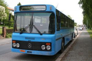 old_blue_bus.jpg